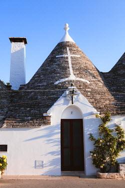 ITA9302AW Trulli, Alberobello, Itria valley, Apulia, Italy
