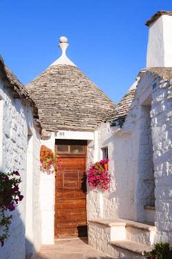 ITA9303AW Trulli, Alberobello, Itria valley, Apulia, Italy