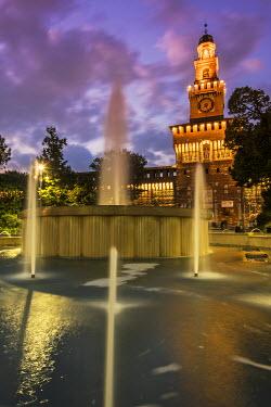 ITA9383AW Twilight view of Sforza Castle or Castello Sforzesco and fountain, Milan, Lombardy, Italy