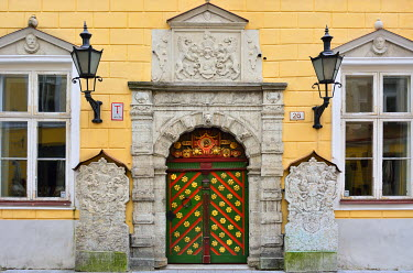 EST1223AWRF Door in the Old Town of Tallinn, a Unesco World Heritage Site. Tallinn, Estonia