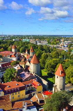 EST1208AW Old Town Wall, a Unesco World Heritage Site. Tallinn, Estonia