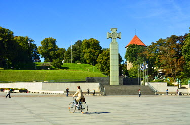 EST1211AW Freedom Square with the War of Independence Victory Column. Tallinn, Estonia