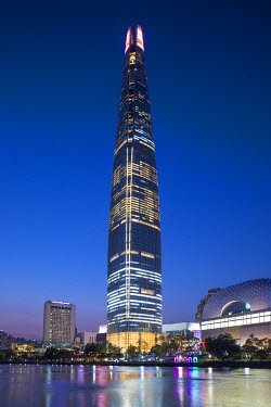 KR01321 Lotte Tower (555m supertall skyscraper, 5th tallest building in the world when completed in 2016), Seoul, South Korea