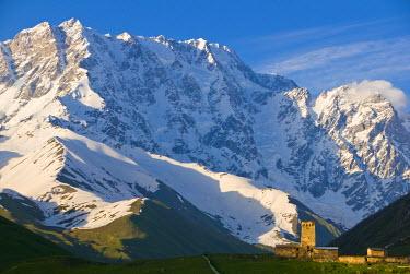 AS08MRU0308 Fortified village of Ushguli, Svanetia, UNESCO World Heritage Site, in background Mount Shkhara, Georgia, Caucasus