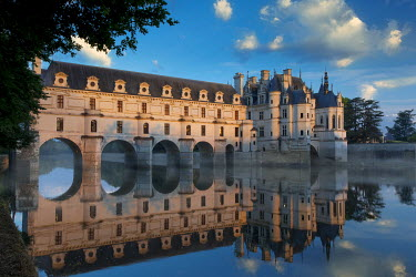 EU09BJN1885 First light of morning on Chateau Chenonceau, Indre-et-Loire, Centre, France