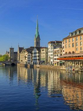 EU29JWI0066 Switzerland, Zurich, Historic Lindenhof area and Limmat River