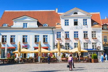 EU35NTO0167 Raekoja Plats (Town Hall Square), Old Town of Tallinn, UNESCO World Heritage Site, Estonia, Baltic States