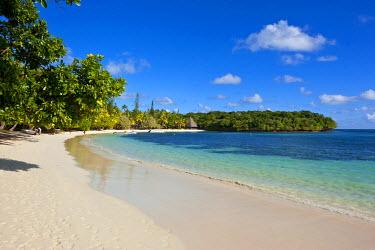 OC19MRU0165 White sand beach Bay de Kanumera, Ile des Pins, New Caledonia, Melanesia, South Pacific