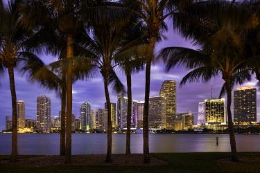 US10BJN0070 Twilight over Miami Skyline, Miami, Florida, USA