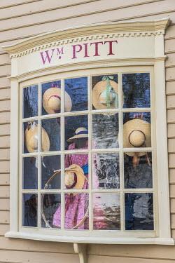 US47JEN0033 USA, Virginia, Williamsburg, Colonial Williamsburg, Wm. Pitt store