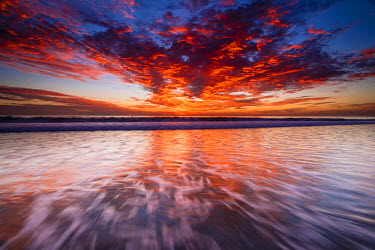 US05RBS0256 Sunset over the Channel Islands from Ventura State Beach, Ventura, California, Usa