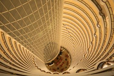 CN03645 Atrium in the Grand Hyatt, Pudong, Shanghai, China