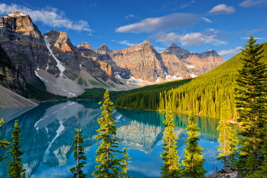 CAN3112AW Valley of the Ten Peaks & Moraine Lake, Banff National Park, Alberta, Canada