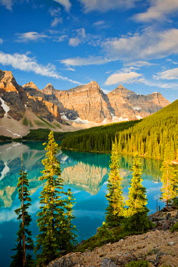 CAN3113AW Valley of the Ten Peaks & Moraine Lake, Banff National Park, Alberta, Canada