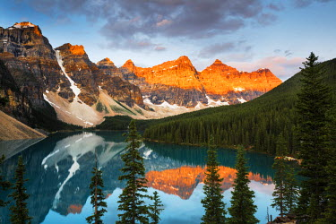 CAN3052AW Valley of the Ten Peaks & Moraine Lake, Banff National Park, Alberta, Canada