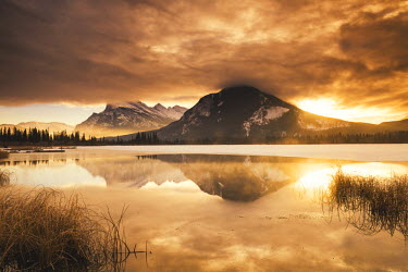 CAN3085AW Mt. Rundle Winter Sunrise, Vermilion Lakes, Banff, Alberta, Canada