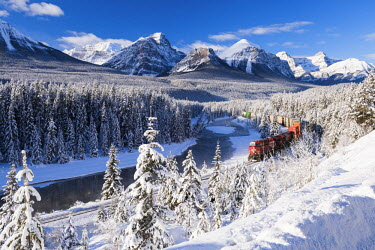 CAN3089AW Morant's Curve in Winter, Banff National Park, Alberta, Canada