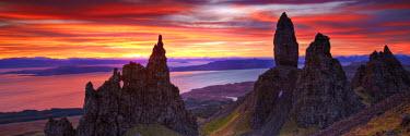SCO34386AW Old Man of Storr at Sunrise, Isle of Skye, Highland Region, Scotland