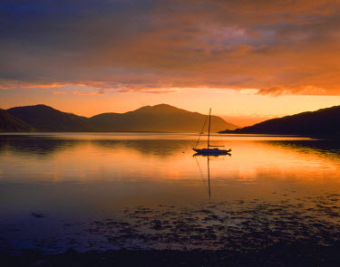 SCO34530AW Lone Sailboat on Loch Alsh, Dornie, Highland Region, Scotland