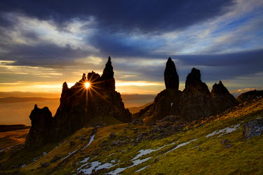 SCO34388AW Old Man of Storr at Sunrise, Isle of Skye, Highland Region, Scotland
