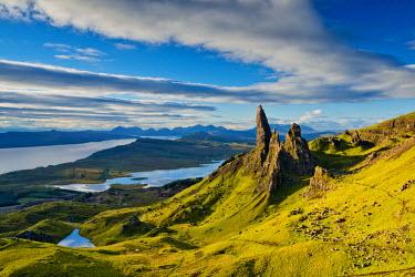 SCO34476AW Old Man of Storr, Isle of Skye, Scotland