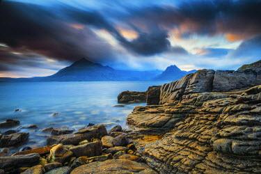 SCO34516AW Coastline at Elgol, Isle of Skye, Scotland