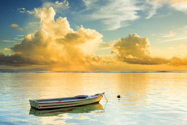 SEY1043AW Cloud Formation & Boat, La Digue, Seychelles
