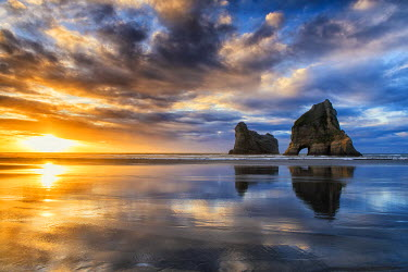 NZ9052AW Wharariki Beach at Sunset, New Zealand