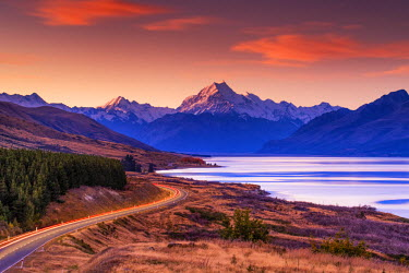 NZ9144AW Mt. Cook & Lake Pukaki at Sunset, Pete's Lookout, New Zealand