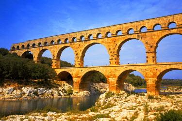 FRA9358AW Pont du Gard, Provence, France