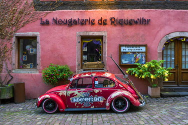 FRA9419AW Classic VW, Riquewihr, Alsace, France