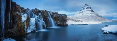 ICE3930AW Mt. Kirkjufell & Waterfalls, Grundarfjordur, Snaefellsnes Peninsula, Iceland