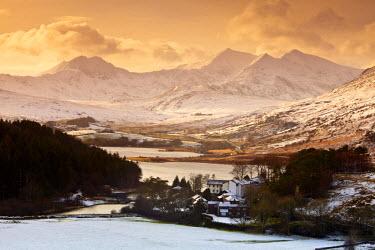 WAL7544AW Mt. Snowdon in Winter, Snowdonia National Park, Gwynedd, Wales