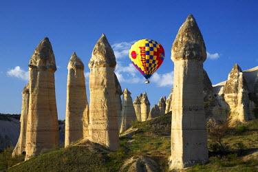 TUR0990AW Hot Air Balloons & Fairy Chimneys in Honey Valley, near Goreme, Cappadocia, Turkey