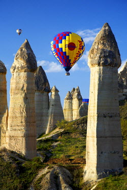 TUR0991AW Hot Air Balloons & Fairy Chimneys in Honey Valley, near Goreme, Cappadocia, Turkey