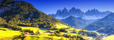 ITA9758AW St. Magdalena in Autumn, Val di Funes, Dolomites, South Tyrol, Italy