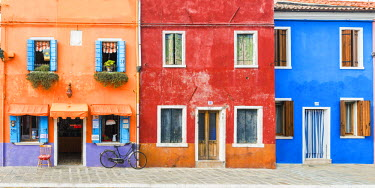 ITA9789AW Colourful Houses & Bike, Burano, Venice, Italy