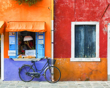 ITA9790AW Colourful Shop & Bike, Burano, Venice, Italy