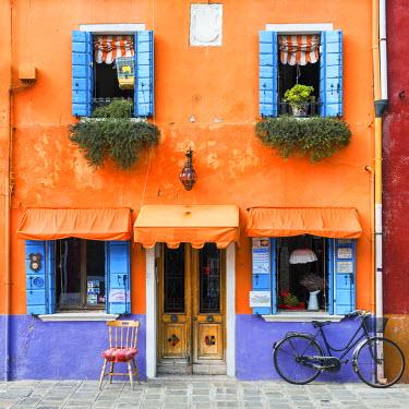 ITA9791AW Colourful Shop & Bike, Burano, Venice, Italy