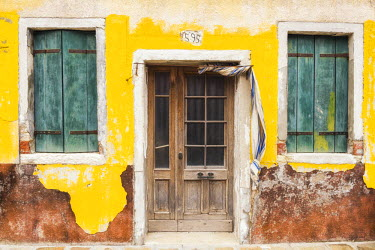 ITA9842AW Old Door & Green Shutters, Burano, Venice, Italy