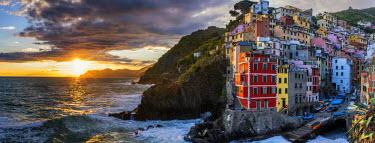 ITA9860AW Riomaggiore at Sunset, Cinque Terre, Liguria, Italy