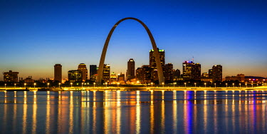 USA12042AW St. Louis Skyline at Night, Missouri, USA