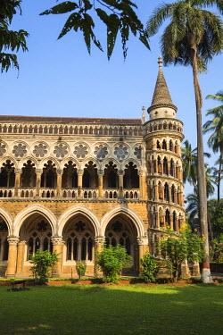 IN07072 India, Maharashtra, Mumbai, Fort area, University of Mumbai, designed by Gilbert Scott who designed London�s St Pancras train station