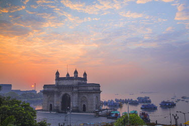IN07085 India, Maharashtra, Mumbai, View of Gateway of India