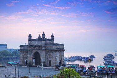 IN07102 India, Maharashtra, Mumbai, View of Gateway of India