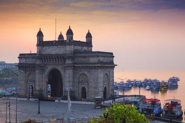 IN07103 India, Maharashtra, Mumbai, View of Gateway of India
