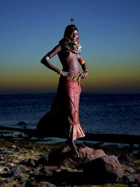 KEN10276AW Turkana maiden, Kenya, Africa