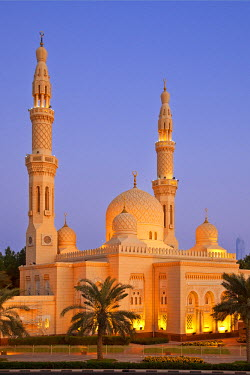 HMS2429731 United Arab Emirates, Dubai, Jumeirah Mosque at Dusk