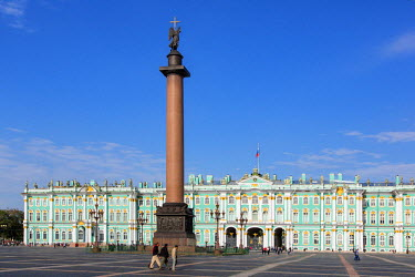 HMS1182337 Russia, Saint Petersburg, listed as World Heritage by UNESCO, Dvortsovaya square , Alexander Column and the winter palace