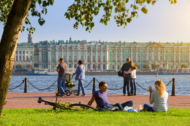 HMS1182401 Russia, Saint Petersburg, listed as World Heritage by UNESCO, view of the winter palace and the Neva river